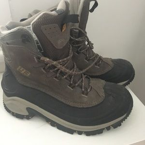 Columbia Other - Columbia 200grams Men's Hiking Boots Size 9