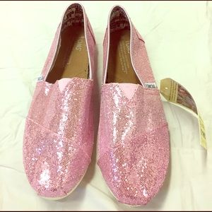 TOMS Other - TOMS Pink Sparkly Youth size 6 with tag