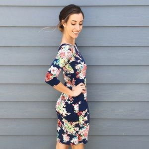 Dresses & Skirts - bright floral midi dress