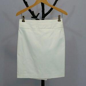 Great White Banana Republic Pencil Skirt Sz 2 NWOT