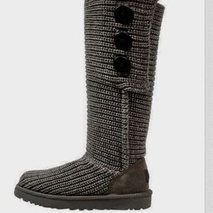 Auth UGG cable knit high boots