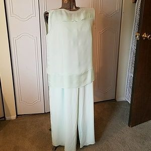 Elie Tahari Other - ELIE TAHARI TOP WITH PANTS
