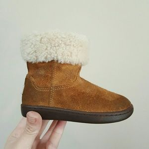 UGG Other - SALE UGG KIDS 7 BABY TODDLER BOOTS SHOES