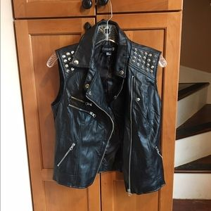 Like New Forever 21 Rock/Biker Vest szM