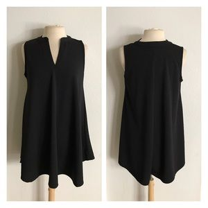 Tops - (Plus) Black sleeveless blouse