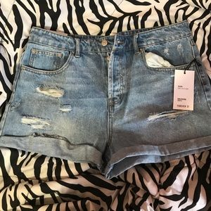 NWT forever 21 high waisted distressed shorts