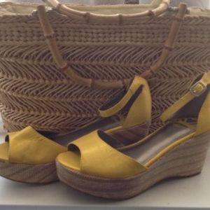 Fergalicious Shoes - 🌻FERGALICIOUS ESPADRILLES 🌻 Size 6M