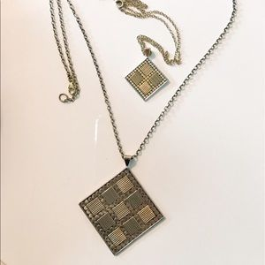 Anna Beck Jewelry - Anna Beck small square pendant necklace