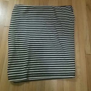 Old Navy Black and white striped Skirt