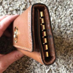 853b3f9cc7edf Michael Kors Accessories - Michael Kors Fulton Leather 6 Key Holder