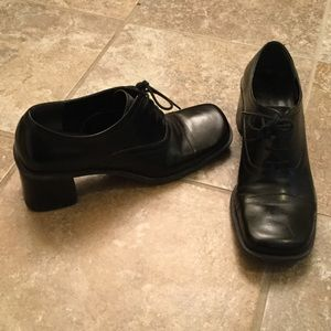 Enzo Angiolini Shoes - Enzo Angiolini Vintage chunky heal lace up sz 10