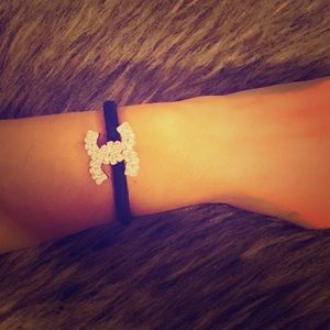 Accessories - Hair Tie or Bracelet