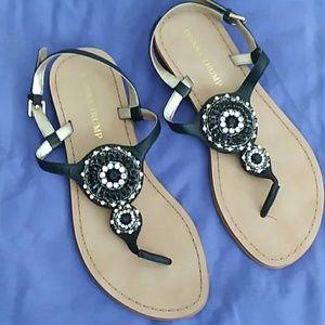 Ivanka Trump Shoes - 💕PRETTY💕 IVANKA TRUMP SANDALS. SZ 7.5