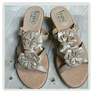 Born Shoes - Born b.o.c. Irredescent Leather Flowers Sandals