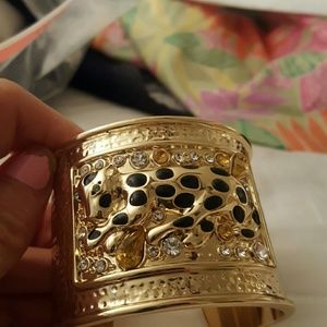 Lilly Pulitzer gold cuff bracelet with cheetah
