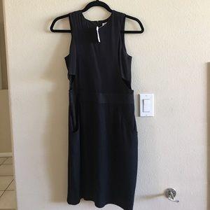 Barneys New York Dresses & Skirts - SALE❤️ NWT Barneys New York Keyhole Dress $75