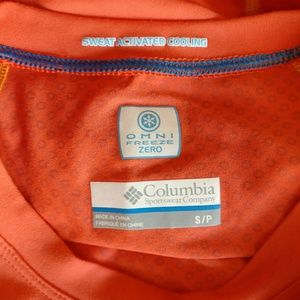 Columbia Tops - Columbia Sportswear Sweat Activated Cooling Top