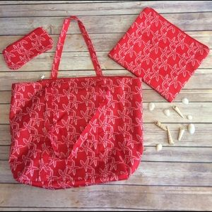 Handbags - Beach tote with 2 zip pouches!