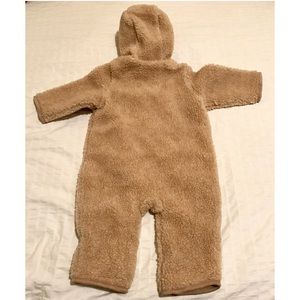 f4cc3e6a3 BABY GAP Jackets & Coats - Baby Gap Winter Bear Suit cozy fleece cover up