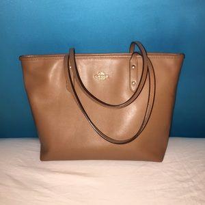 Bag / Purse / Tote