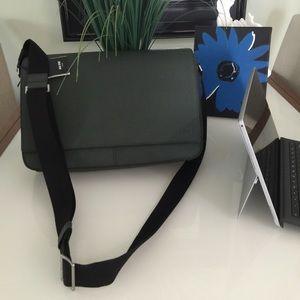 Jack Spade Handbags - NWT ♠️ GRADUATION GIFT JACK SPADE MESSENGER BAG!