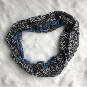 American Eagle Outfitters Accessories - American Eagle Outfitters Infinity Scarf