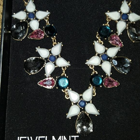 """Jewelmint """"Jardin"""" Necklace"""