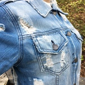 GJG Denim Jackets & Coats - 🎉Host Pick🎉  Super Distressed Denim Jacket