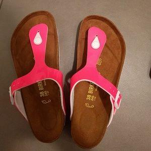 Birkenstock Shoes - Birkenstock NWOT pink sandal thong