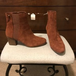 Bandolino Shoes - Bandolino Brown Suede Booties