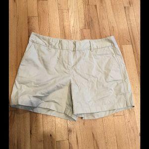 Vineyard Vines Pants - Vineyard vines🐳 khaki flat shorts washed dayboat