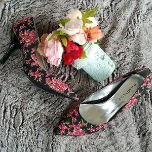 Rampage Shoes - 🆕️Listing! Rose floral pumps