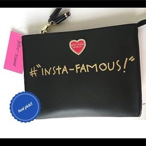 Betsey Johnson Handbags - 🎉HP🎉NWT Betsey Johnson Cosmetic/Wristlet