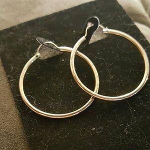 KEEPSAKE the Label Jewelry - 🐝SPRING SALE💲 1OKG HOOP EARRINGS💗