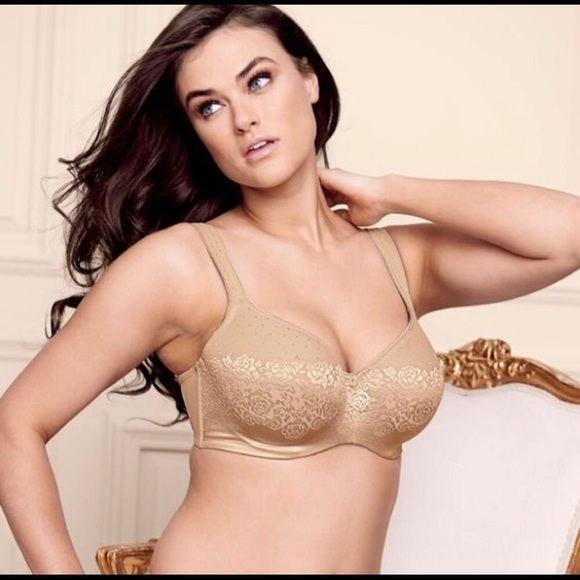 5aa4608a1d0f2 SOMA nude Stunning Support bra (38G). M 58fbe903ea3f366fe00bf20f