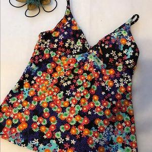 Hobie Other - Hobie tankini top, size small.