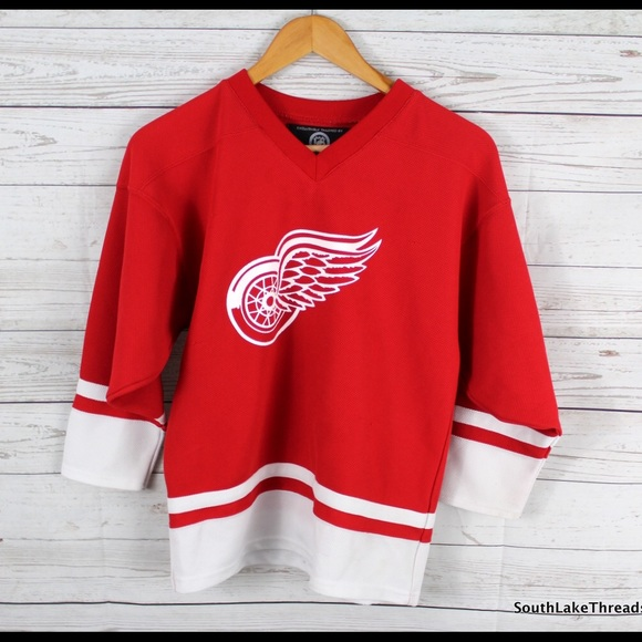 Detroit Red Wings NHL Hockey Jersey 2Pac Bueller. M 58fbf549bcd4a77527024c04 6b25d8511