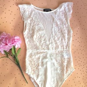 Missguided Other - 🚨 SALE 🚨 Misguided White Lace Bodysuit size 4
