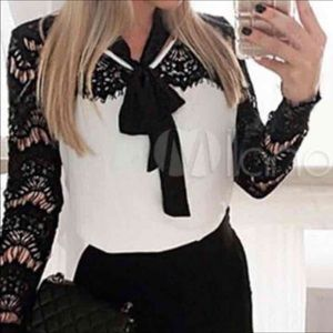 Tops - SOLD Super cute blouse