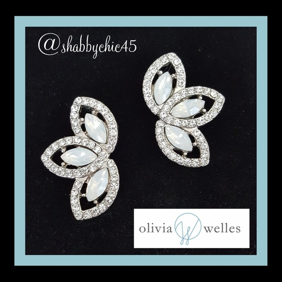 Olivia Welles Jewelry - Olivia Welles Dana Trio Stud Earrings