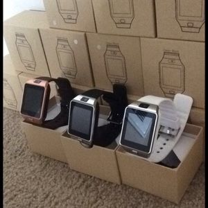 Accessories - Android and Apple compatible smart watches