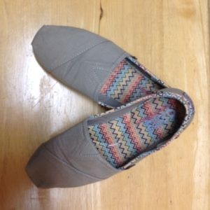 Bobs Shoes - Bobs size 8 Taupe with multi-color earth tone trim