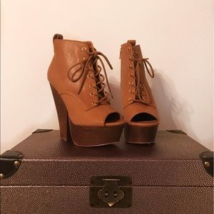 Steve Madden Brown Leather Ankle Booties