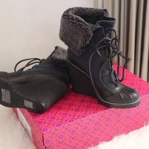 Tory Burch Shoes - ✨$112✨Tory Burch Fairfax Shearling-Line Wedge Boot