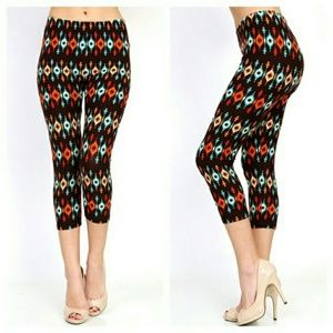 Aztec Print Super Soft Cropped  Leggings NWT