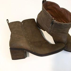 Donald J. Pliner Shoes - SIGNATURE COLLECTION DONALD J PLINER
