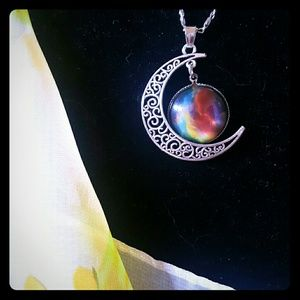 FLASH SALE Beautiful moon necklace