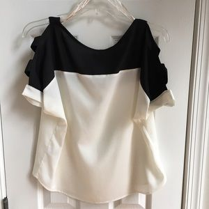 G by Guess Tops - Guess colorblock top with cutout sleeves