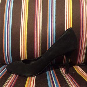 Steve Madden Shoes - Steve Madden black closed toe pumps