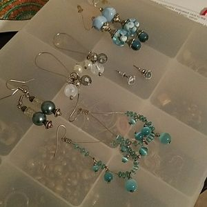 5 EUC pairs blue earrings